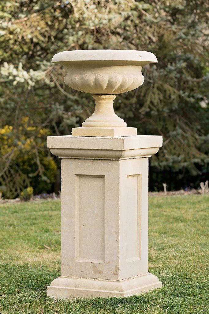 Pedestals 7 Series
