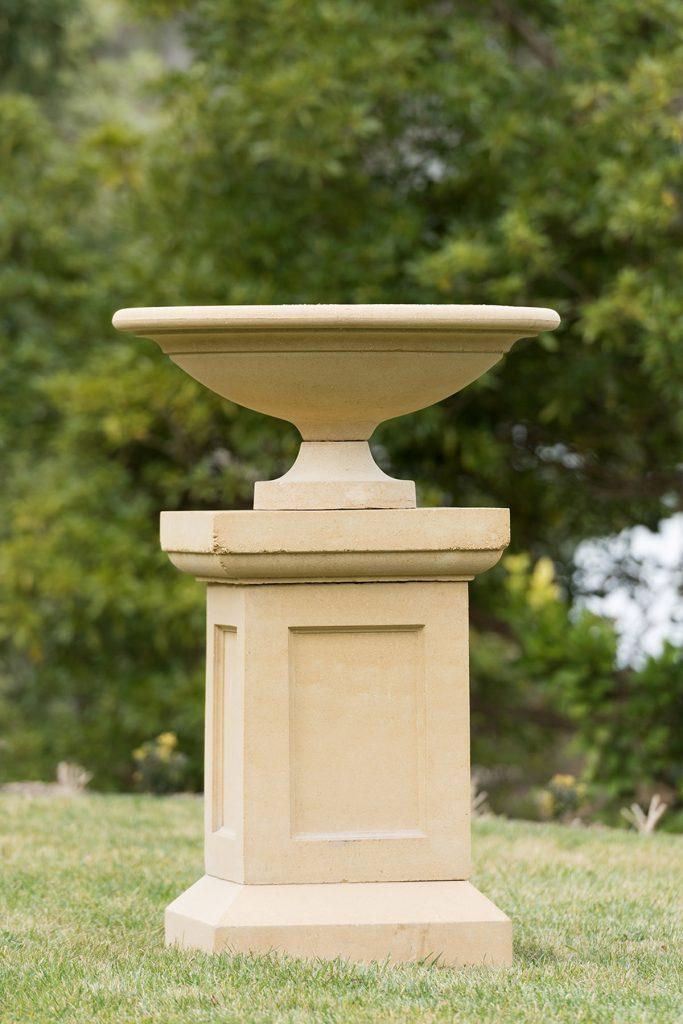 Pedestals 8 Series