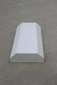 Bevelled Wall Cap 390