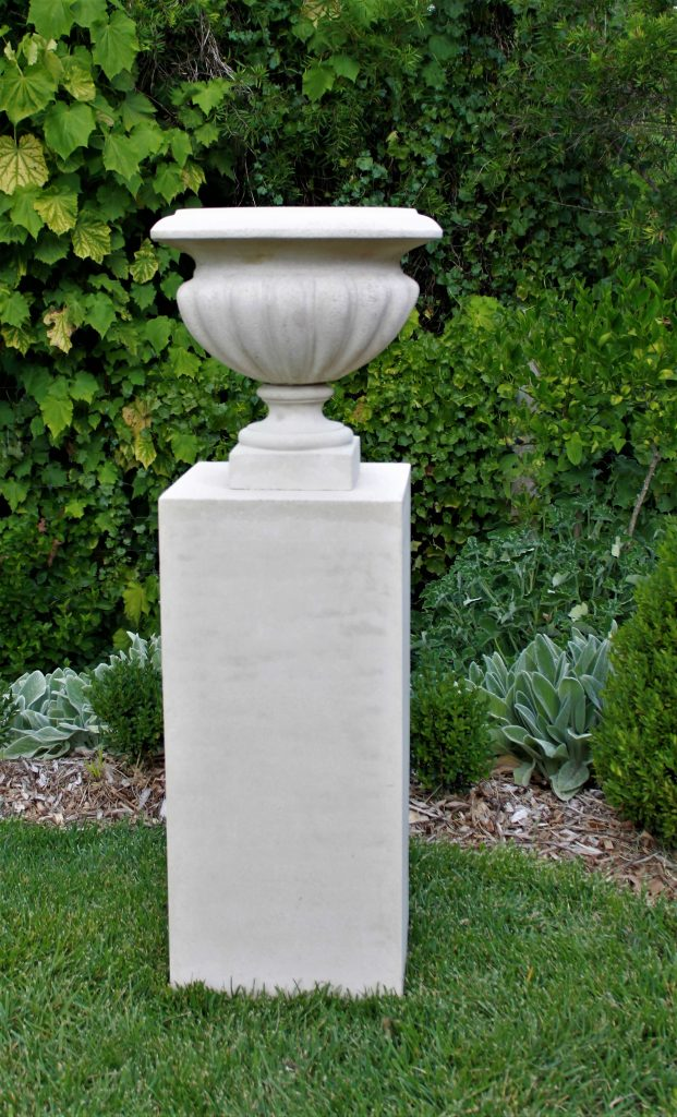 Straight Edge Pedestal